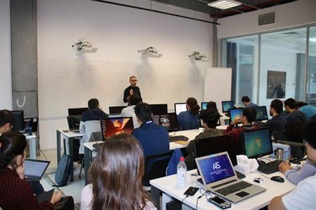 Living Lab'den Sektör Çalışanlarına Yazılım Dersi