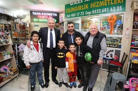 Başkan Uysal, esnaftan tam destek aldı
