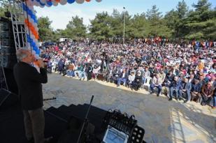 Uysal'dan Başakşehirlilere Teşekkür Pikniği