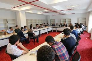 Başkan Uysal, genç hukukçularla bir araya geldi