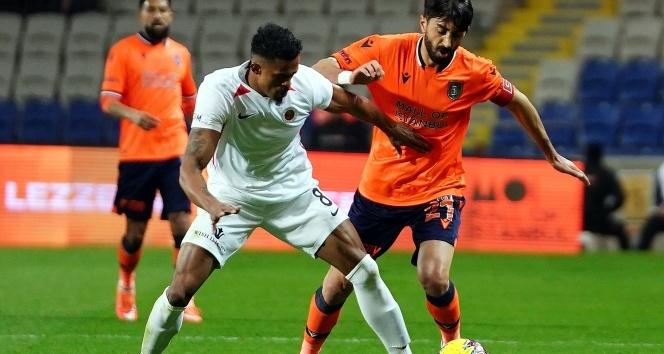 ÖZET İZLE: M. Başakşehir 3 – 1 Gençlerbirliği Maç Özeti ve Golleri İzle| Başakşehir Gençlerbirliği Kaç Kaç Bitti