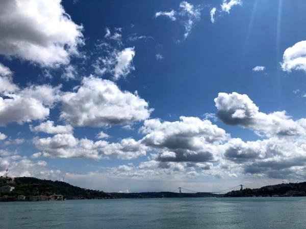 İstanbul Boğazı nda bulutlardan görsel görsel şölen