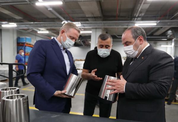 Bakan Varank: Türkiye'yi üretimle büyütmemiz gerek