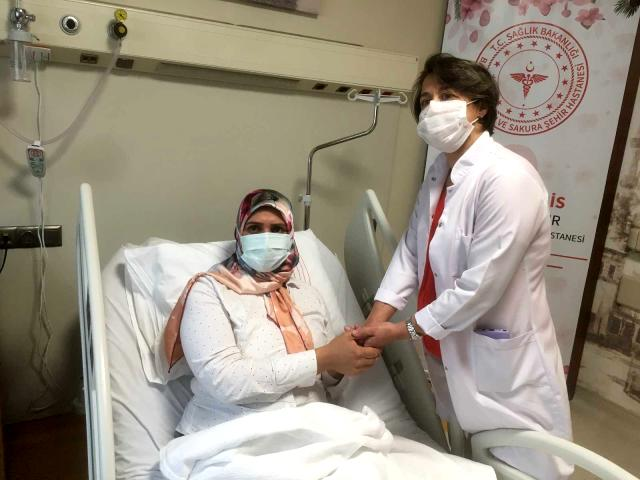 Hem Kanseri Hem Korona Virüsü Yendi
